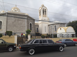 Basilica-of-Our-Lady-of-the-Angels-Cartago.-COSTA-RICA-MERCEDES-W123-300D-LIMO16c165bb36dc9bf2.jpg