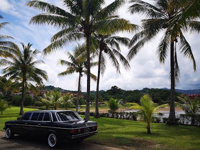 COSTA-RICA-BEACH-PARADISE.-MERCEDES-LIMOUSINE-W123-LANG588742c7f61e0064.jpg
