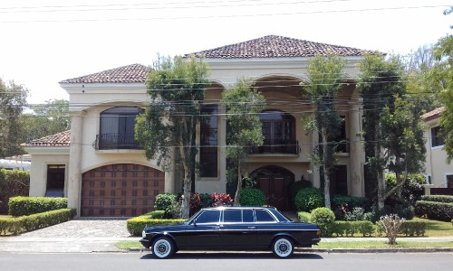 LARGE-MANSION-AND-LIMO-COST-RICA6ceb7ffe4b00d0ef.jpg