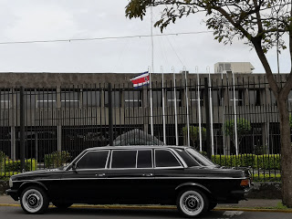 Presidential-Palace-of-the-Republic-of-Costa-Rica.-MERCEDES-300D-LIMOUSINE-SERVICE7c5f19e3e6a1b15a.jpg