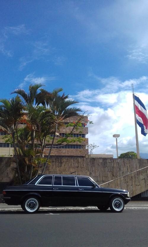 Supreme-Court-Justice-building-San-Jose-Costa-Rica-MERCEDES-LIMOcfa12e07ad8df3d2.jpg