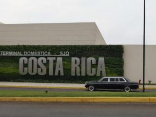 Terminal-Domestica-SJO.-COSTA-RICA-MERCEDES-300D-LIMOUSINE-AIRPORT-SERVICE61324d2d96fda9ad.jpg