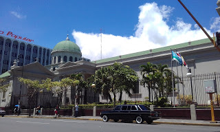 The-Metropolitan-Cathedral-of-San-Jose.-COSTA-RIXA-W123-MERCEDES-LIMOUSINE-SERVICE-FOR-WEDDINGSdf10c77136b18b18.jpg