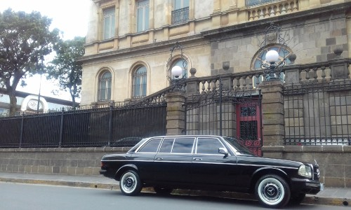 The-National-Theatre-of-Costa-Rica.-LWB-LIMO-LANGdc5c405b12d129e6.jpg