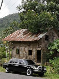 WOOD-HOUSE.-CARTAGO-COSTA-RICA-MERCEDES-LIMOUSINE-RIDESaa86b2c1bb9d54dd.jpg